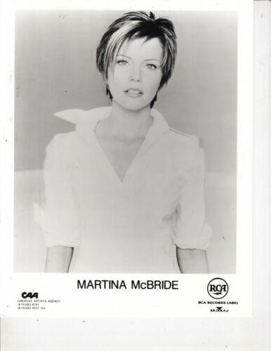 MARTINA MCBRIDE PUBLICITY PHOTO 8 X10 RCA RECORDS LABEL B/W NICE
