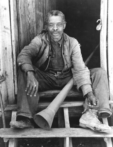 1939-Black History Photo-Willis Winn w/ Slave Horn which was used to call Slaves