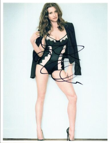 Linda Cardellini Signed Autographed 8x10 Photo Freaks & Geeks Bloodline COA VD
