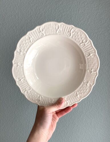 One Canonsburg AMERICAN TRADITIONAL Rimmed Soup Bowl 9 1/8  - $8.00