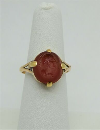 Vintage 18k Gold Ring with Intaglio carved into Carnelian