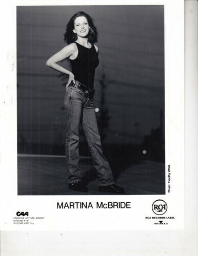 MARTINA MCBRIDE PUBLICITY PHOTO 8 X10 RCA RECORDS LABEL B/W