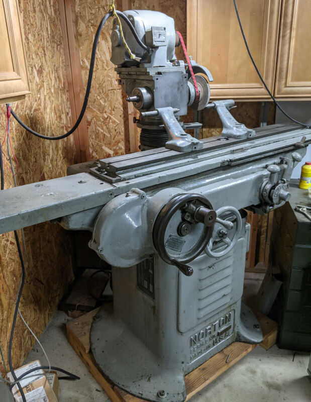 Norton Universal Tool Grinder w/ Centers