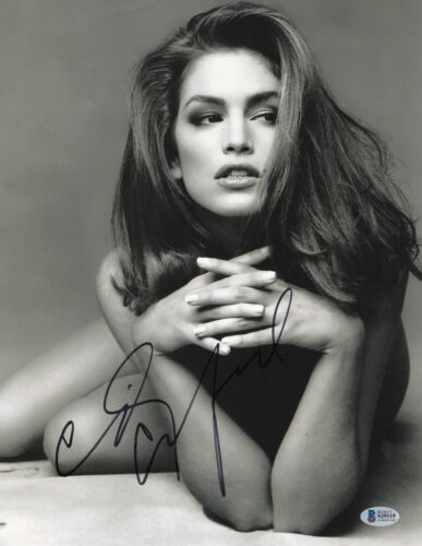 SO HOT CINDY CRAWFORD SIGNED 11X14 PHOTO AUTHENTIC AUTOGRAPH BAS BECKETT COA