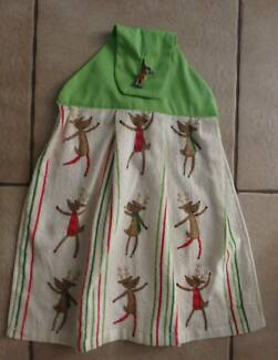 Xmas Hanging Hand Towel - Lime Dancing Reindeer- NEW