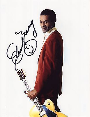 CHUCK BERRY HAND SIGNED 8x11 COLOR PHOTO    RARE YOUNG POSE    EXACT PHOTO PROOF
