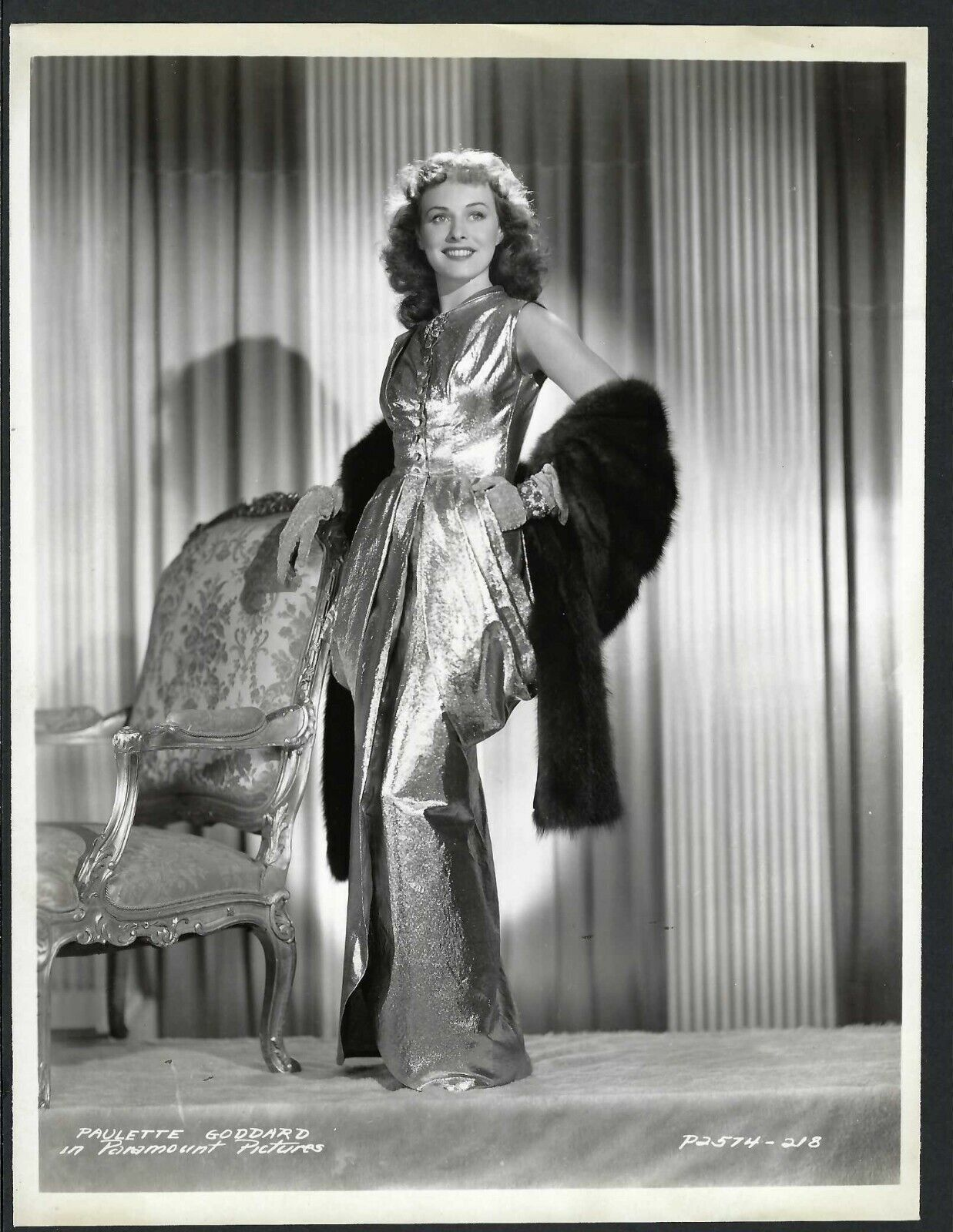 PAULETTE GADDARD ACTRESS IN EXQUISITE GLAMOUR PARAMOUNT PHOTO - $19.99
