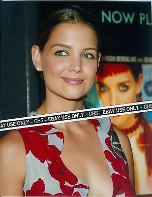 Katie Holmes Sexy   Color Candid 8X10 Photo  Batman Begins   Phone Booth   7899