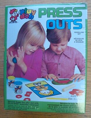 PLAY DOH PRESS OUTS MODELLING SET KENNER 1989 VINTAGE NEW IN BOX