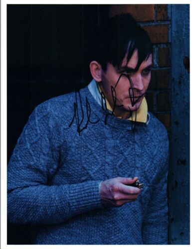 Robin Lord Taylor Signed Autographed 8x10 Photo Gotham Oswald The Penguin COA VD
