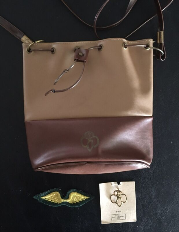 3 Vintage BROWNIE GIRL SCOUT ITEMS-SHOULDER STRAP BAG/PURSE 1951/1955-WINGS-PIN