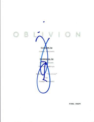 Joseph Kosinski Signed Autographed OBLIVION Movie Script COA VD