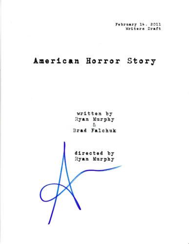 SARAH PAULSON SIGNED 'AMERICAN HORROR STORY' FULL PILOT EPISODE SCRIPT w/COA