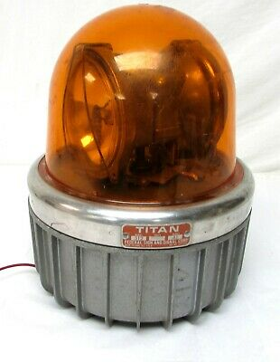 Vintage Federal Sign Signal Corp Light Amber Dome Flashing Strobe Titan A1 312