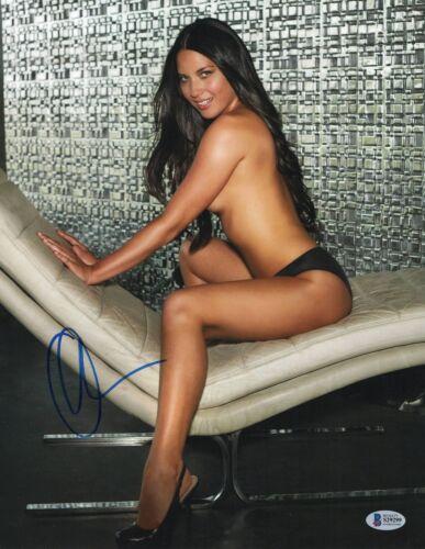 SO HOT OLIVIA MUNN SIGNED SEXY AUTOGRAPHED 11X14 PHOTO BAS BECKETT COA