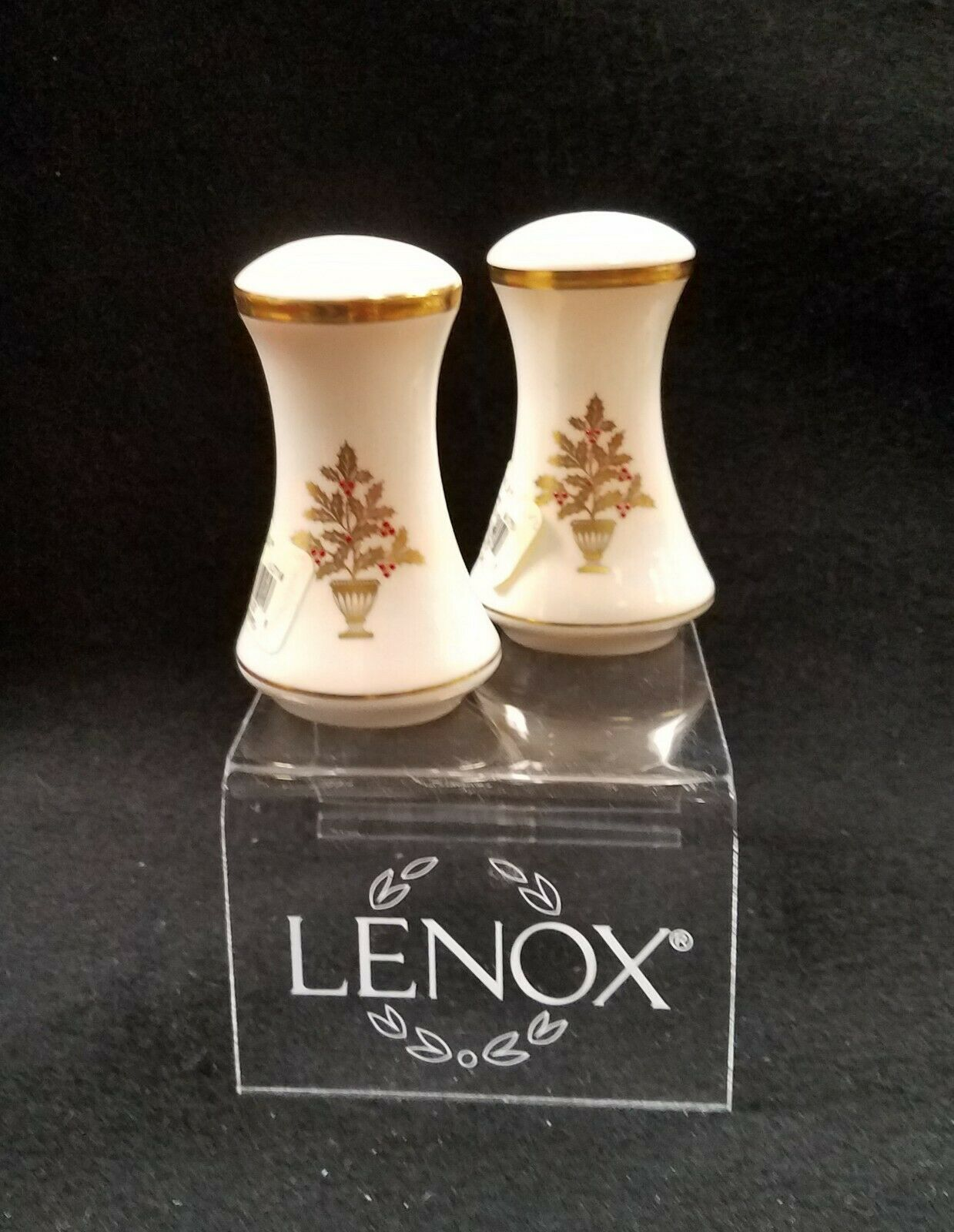 LENOX Eternal Christmas Salt Pepper - $89.95