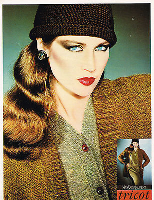 PUBLICITE ADVERTISING  1978   YVES SAINT LAURENT  boutique tricots (Boutique Yves Saint Laurent)
