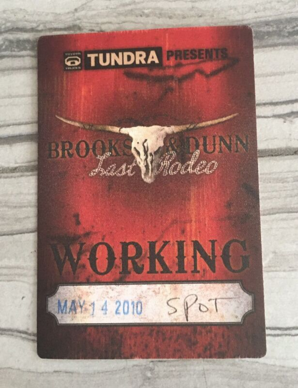 Brooks & Dunn Backstage Pass. The Last Rodeo Tour 2010