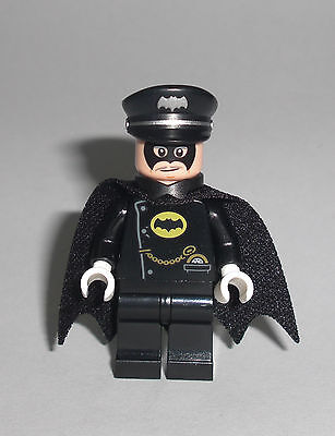 LEGO Batman Movie - Alfred Pennyworth im Batsuit - Figur Minifig Batmobil 70917