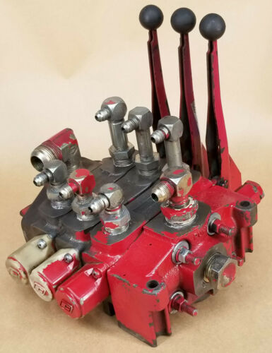 Commercial Intertech 3 Spool Section Hydraulic Control Valve with Levers Body