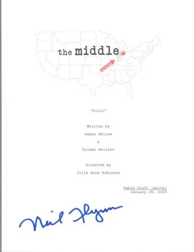 Neil Flynn Signed Autographed THE MIDDLE Pilot Episode Script COA