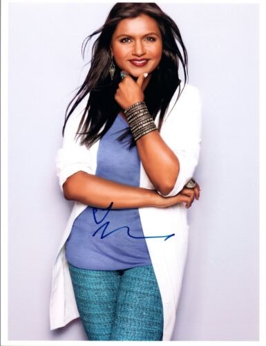 Mindy Kaling Signed Autographed 8x10 Photo The Office The Mindy Project COA VD