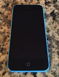 Iphone 5c BELL includes case and charger