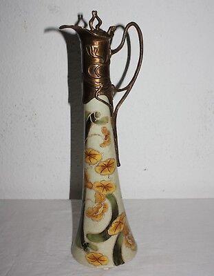 Jugendstil Design, Karaffe aus Keramik, mit bronzierter Metallmontierung, floral Floral Aus Metall