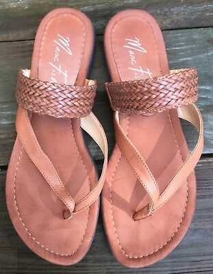 Beautiful Marc Fisher thong flip flop sandals, leather/leather-like 8 1/2 M EUC!