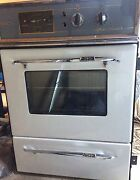 Vintage oven Curtin Woden Valley Preview