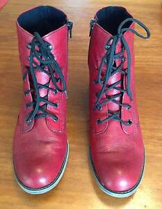 Red Rieker Ankle Boots Lake Barrine Tablelands Preview