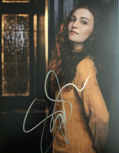 Outlander SOPHIE SKELTON SIGNED 8x10 Photo