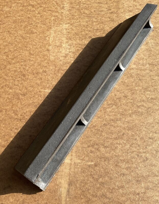 """18"""" Iron Straight Edge/Prism/Parallel/Precision Level. Featherweight Casting"""