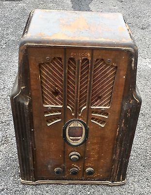 VINTAGE PHILCO TUBE RADIO, TOMBSTONE CABINET, 1935 620 ??