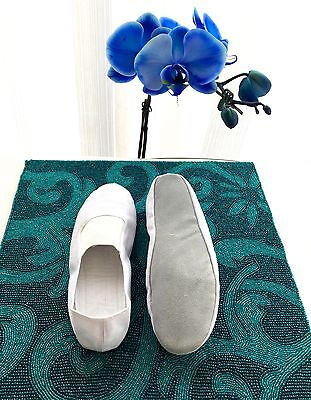 Girls White Slippers (  Girls Fabric white Ballet Flats/slippers Leather sole S 34 - US 3/ 21.5 CM)