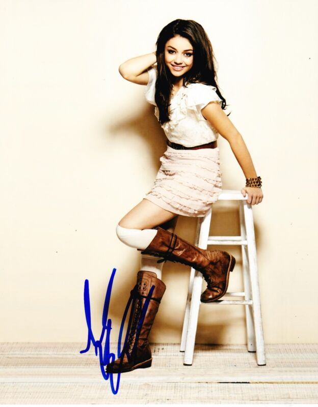 SARAH HYLAND SIGNED 8X10 PHOTO MODERN FAMILY HALEY DUNPHY AUTHENTIC AUTO COA B