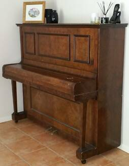 Piano ( Antique )