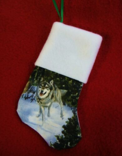 WOLF CHRISTMAS STOCKING ORNAMENT/GIFT CARD MONEY HOLDER