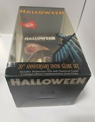 Halloween Vhs Snow Globe (HALLOWEEN VHS 20TH ANNIVERSARY SNOW GLOBE SET LTD EDITION ANCHOR BAY 1998)