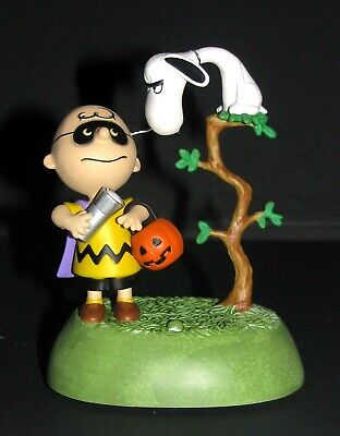 HALLMARK ORNAMENT~THE HALLOWEEN VULTURE~Snoopy~The Peanuts Gang~by Chad~NIB~2019