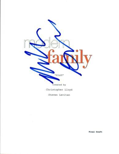 Nolan Gould Signed Autographed MODERN FAMILY Pilot Episode Script COA VD