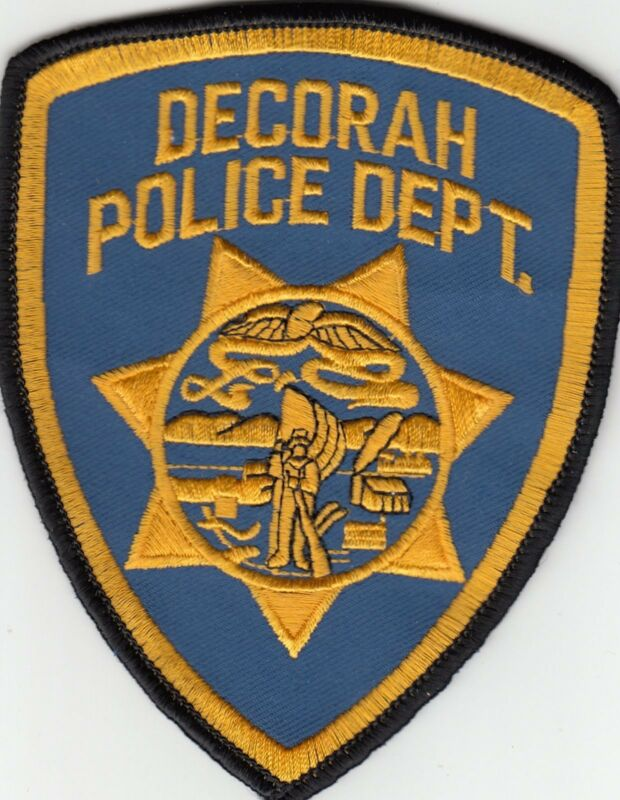 DECORAH POLICE DEPARTMENT SHOULDER PATCH IOWA IA