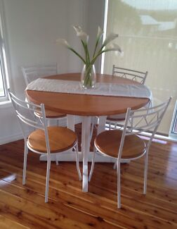 Dining Setting  Edgeworth Lake Macquarie Area Preview