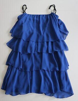 Elegantes mehrlagiges Rüschen - Kleid auf Spaghettiträgern in Stufendesign