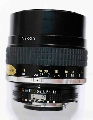 Nikon Nikkor AIS AI-S 105mm F/1.8 Manual Focus Telephoto Lens