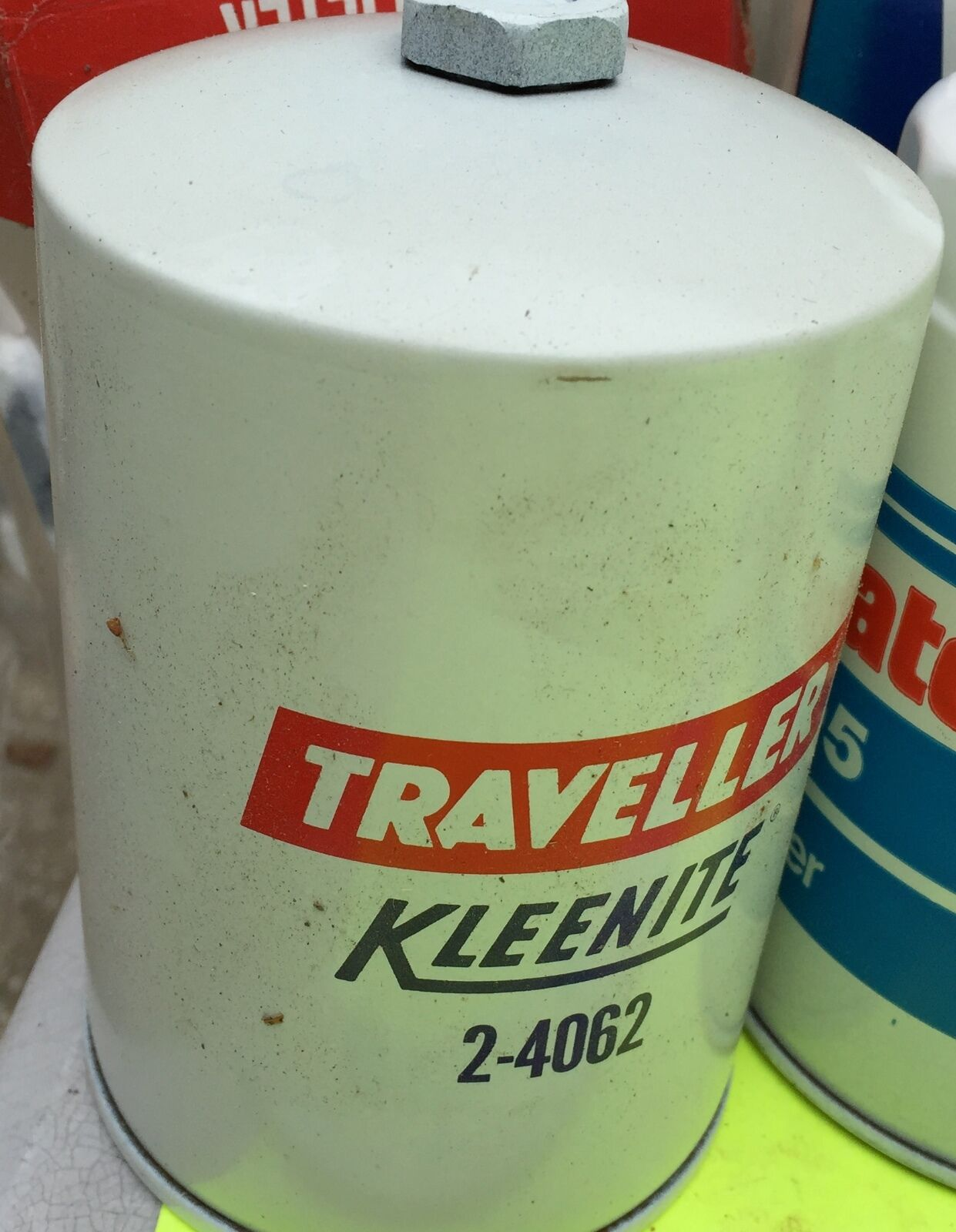 U.S. old cars, Oil filter.    Kleenite 2-4062.        Item:  4645
