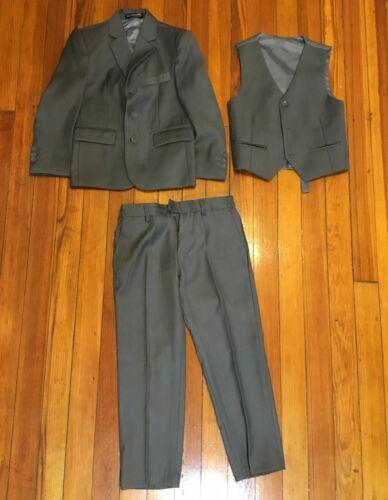 3pcs. Kids World of USA Boy's Gray Suit Set Size 5: Blazer, Vest, Dress Pants