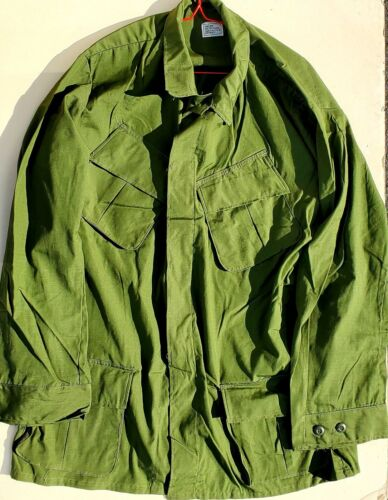 "US VIETNAM WAR ""NOS"" OLIVE GREEN LARGE, LONG RIP STOP COTTON JUNGLE JACKETS"