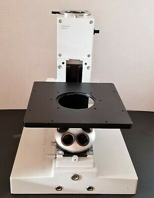 Leitz Diavert Microscope Body With Stage And Nosepiece