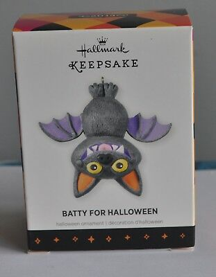 HALLMARK ORNAMENT BATTY FOR HALLOWEEN   DATED  2013](Date For Halloween)
